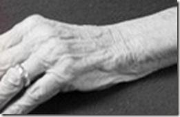 stock-photo-elderly-frail-woman-not-having-enough-money-for-her-medication-8959864[1]
